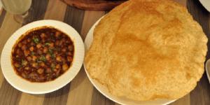 channa-bhatura-@-Cream-Centre-blog